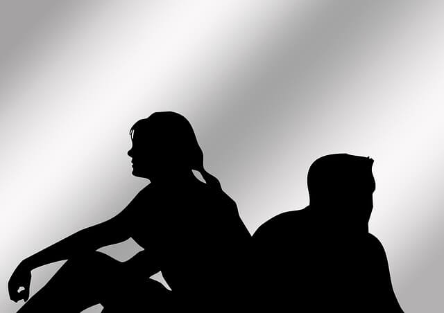 rozdíl mezi introvertem a extrovertem